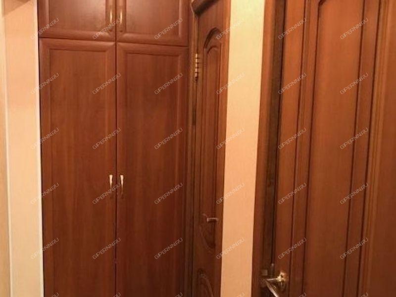 трёхкомнатная квартира на улице Маршала Голованова дом 63