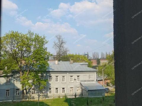 4-komnatnaya-ul-pochainskaya-d-35 фото