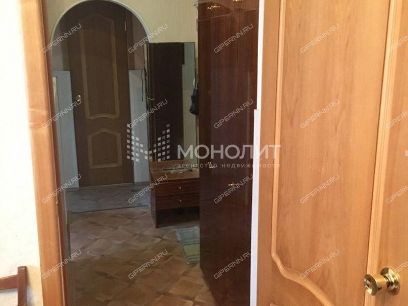 двухкомнатная квартира на площади Комсомольская дом 14 к1
